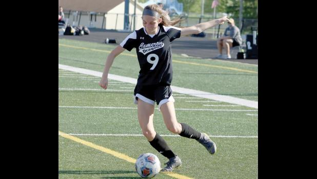 Bailey Robinson lines up a shot last Friday.